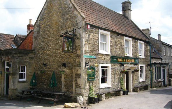 The Fox and Badger, Wellow