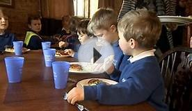 Gloucestershire school children enjoy weekly pub lunch